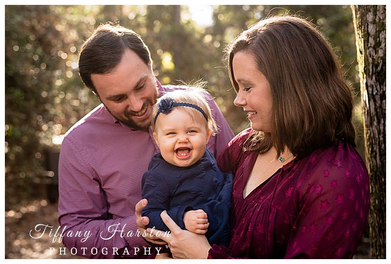 kingwood family photographer taking photos in forest