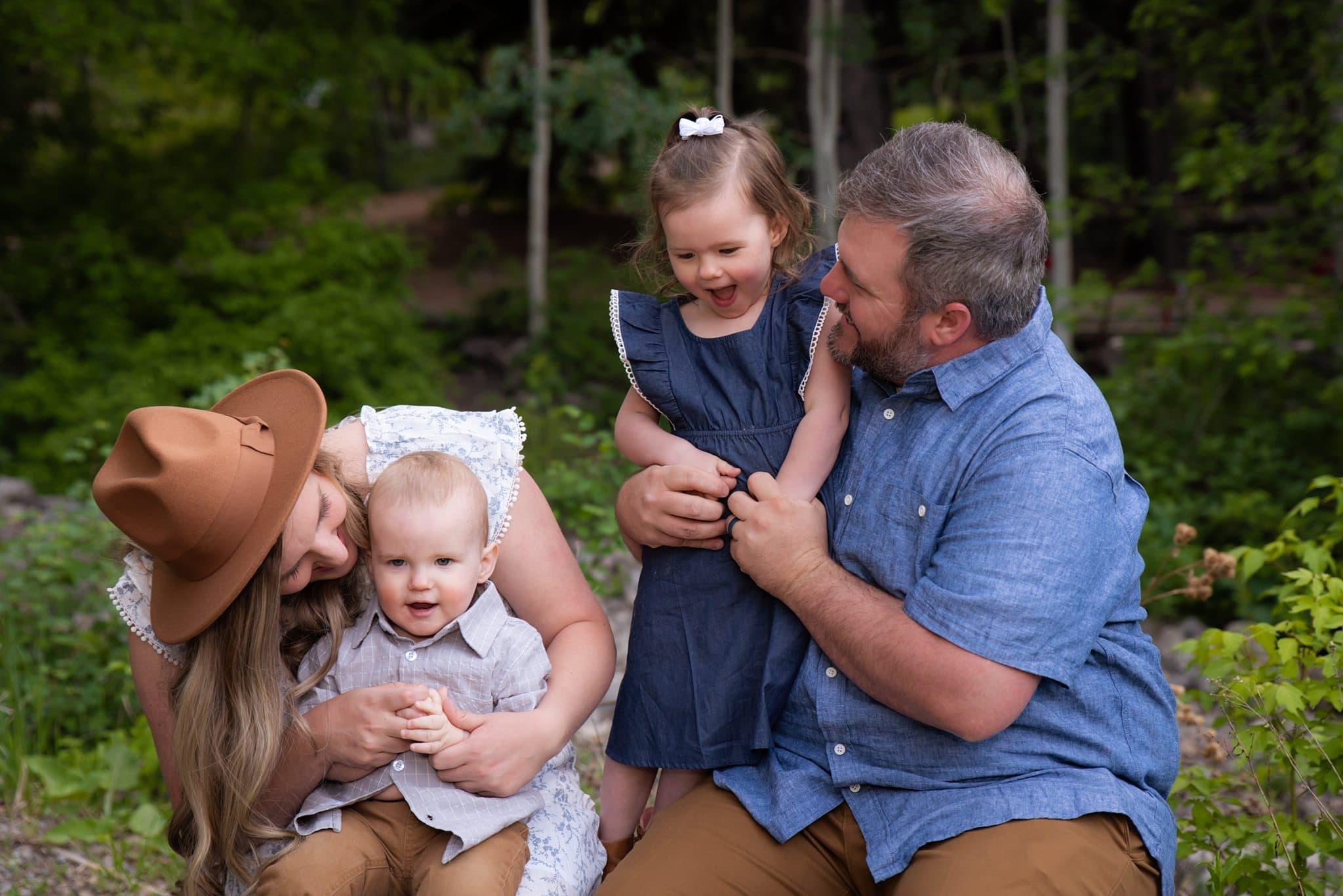 humble photographer taking family photos